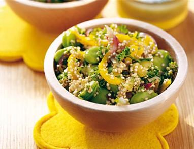 Kvinoja s pomarančo in fižolom