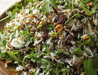 Ajdova solata z basmati rižem in svežimi začimbami