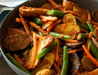 Krompir in stročji fižol po indijsko