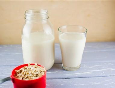 Domače ovseno mleko