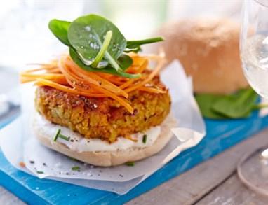 Čičerikin in korenčkov burger