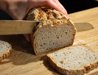 Enostavni brezglutenski kruh